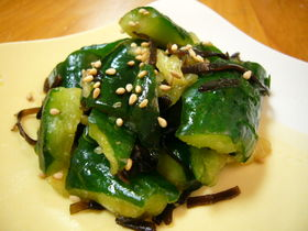 SEAWEED-PICKLED-CUCUMBERS