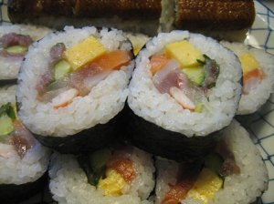SUSHI-ROLL-HOME-TYPE-2