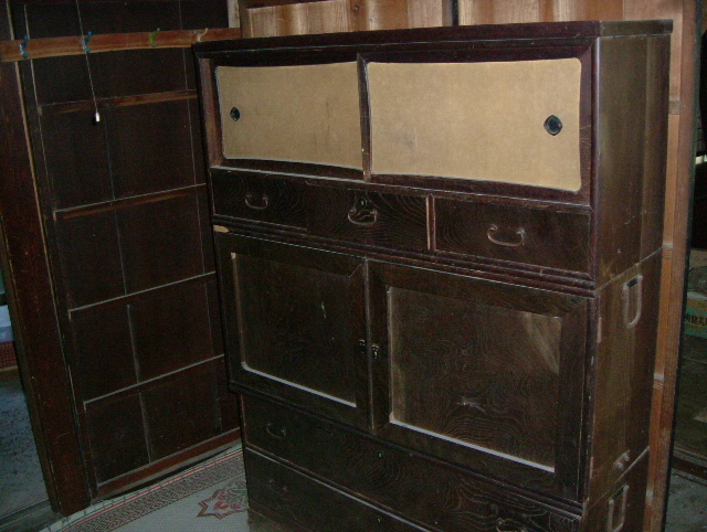 Dining room chests