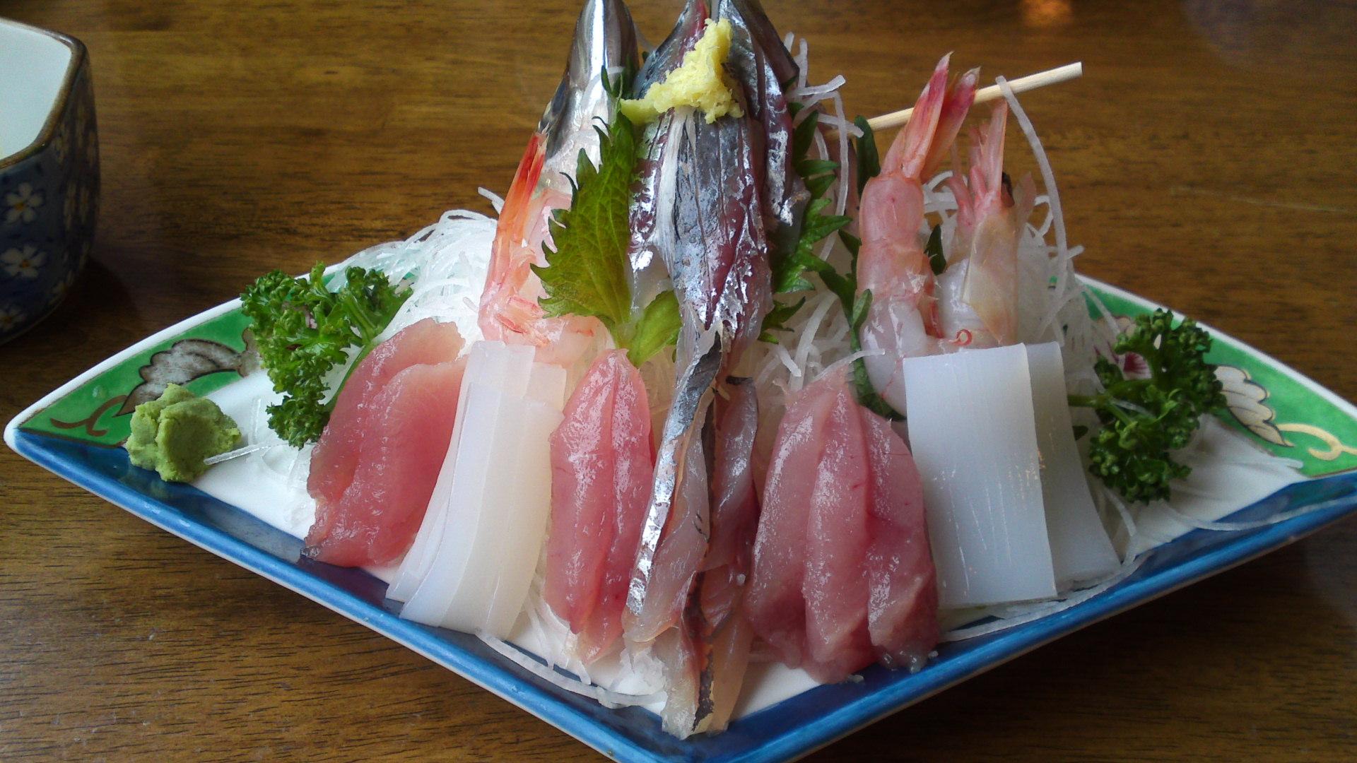 Sashimi shizuoka local fish at uosei in heda izu for Best sashimi fish