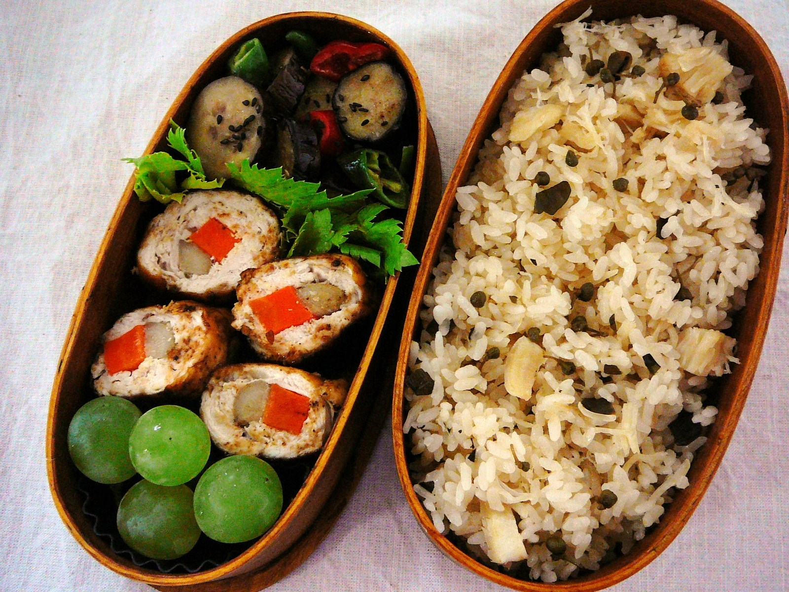 today s bento lunch box 11 52 chicken roll bento shizuoka gourmet. Black Bedroom Furniture Sets. Home Design Ideas