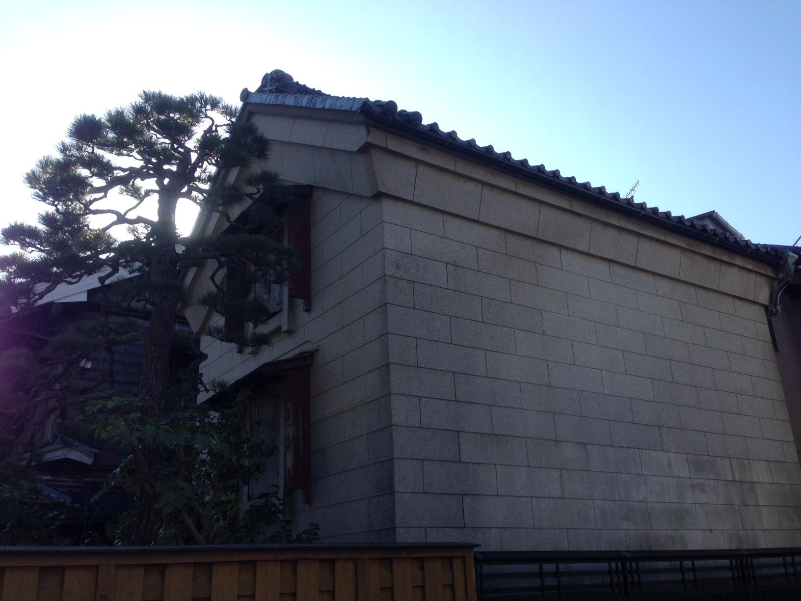 OKABE-9-wall-of-east-side