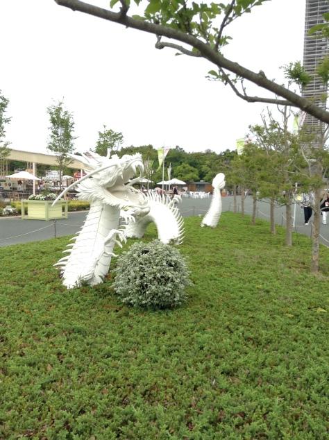DRAGON-WHITE-3