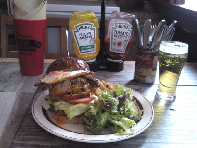American Gastronomy: Crazy double Decker at Tequila's Diner in Shizuoka City!