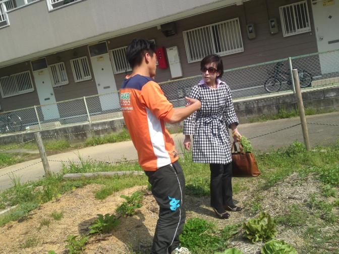"Organic and Natural Agriculture with Mentally-impaired Patients at ""Workshop Leaf ""in Shizuoka City (2)!"